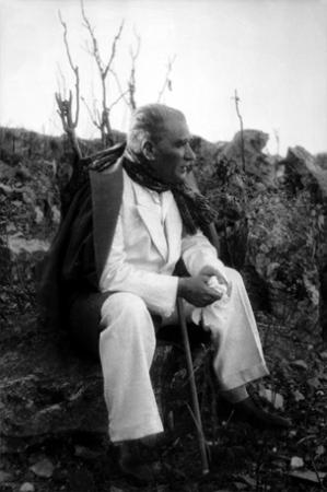 Atatürk Siyah Beyaz 0