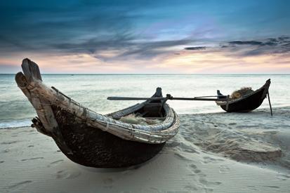 Kumsaldaki Tekneler resim