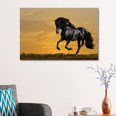Koşan Siyah At resim2