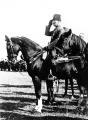 Atatürk Ata Binerken