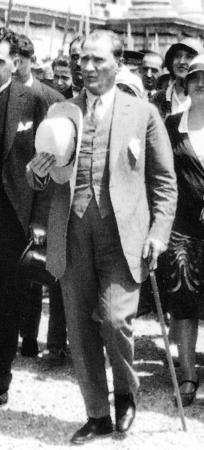 Atatürk Bastonlu Tablosu 0