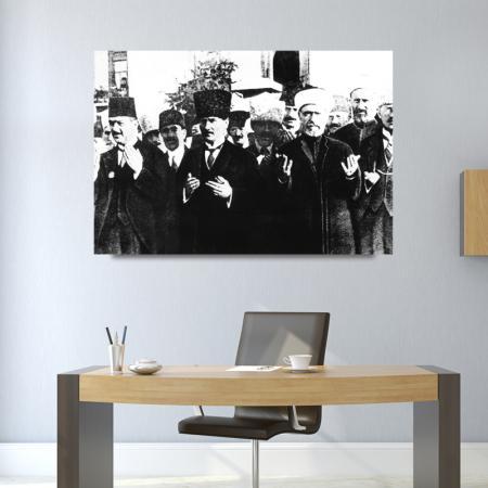 Atatürk Dua Ederken Tablosu resim2