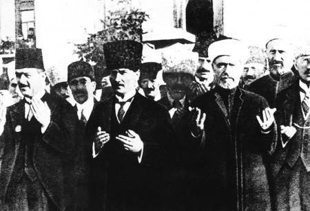 Atatürk Dua Ederken Tablosu resim
