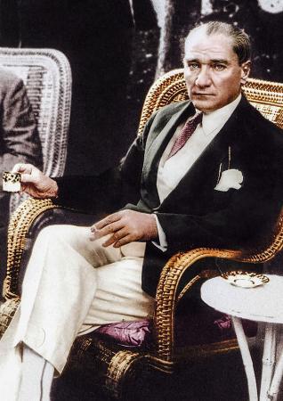 Atatürk Kahve İçerken resim
