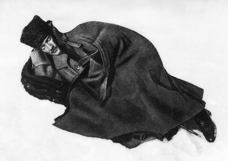 Atatürk Kar Üstünde resim