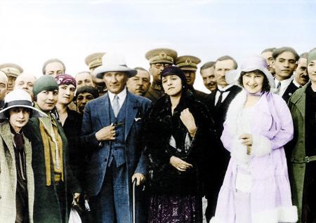 Atatürk Renkli Fotoğrafı resim
