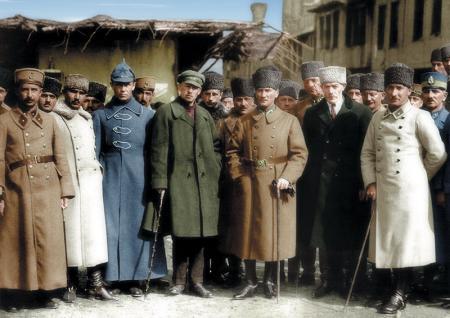 Atatürk Renkli Resim resim