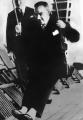 Atatürk Salıncakta Sallanırken Siyah Beyaz