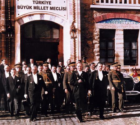 Atatürk ve Meclis resim