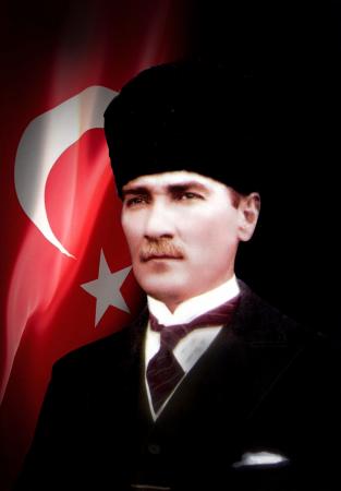 Kalpaklı Atatürk Tablosu ve Türk Bayrağı 0
