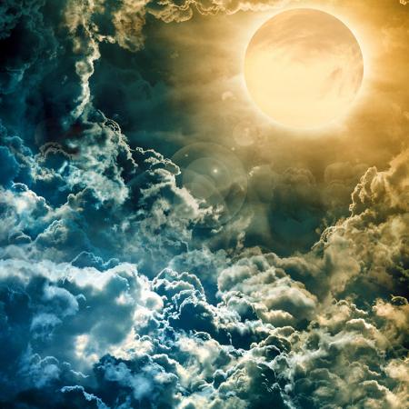 Karanlık Gökyüzü Üzerinde Dolunay 0