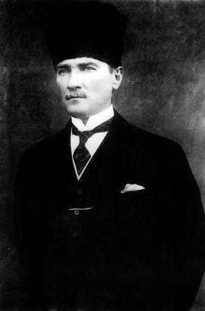 Siyah Beyaz Atatürk Portresi resim