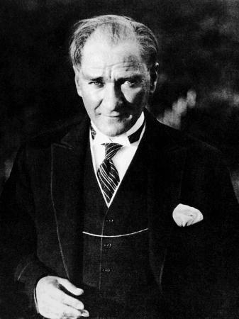 Siyah Beyaz Atatürk Tablosu resim