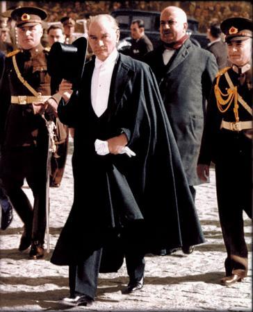 Smokinli Atatürk Tablosu resim