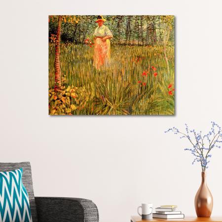 Woman Walking In A Garden A resim2