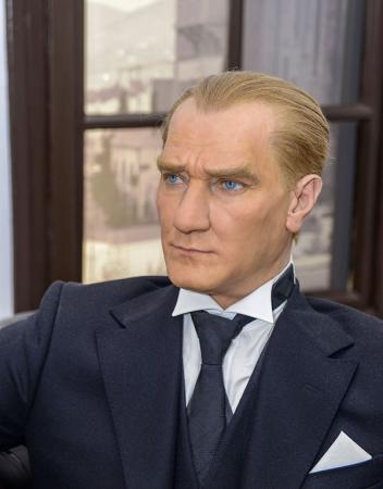 Atatürk Portresi Balmumu resim