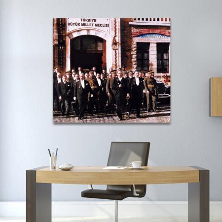 Atatürk ve Meclis resim2