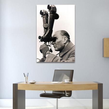 Atatürk Dürbün Başında resim2