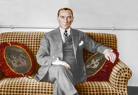 Atatürk Gülcemal Vapurunda resim