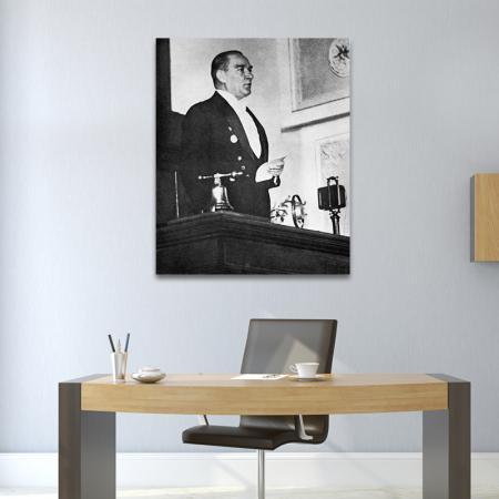 Atatürk Kürsüde resim2