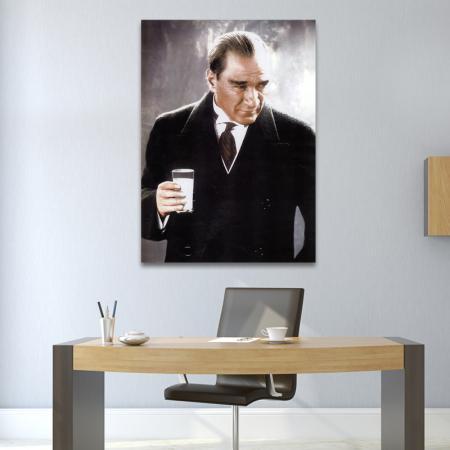 Atatürk Rakı İçerken resim2